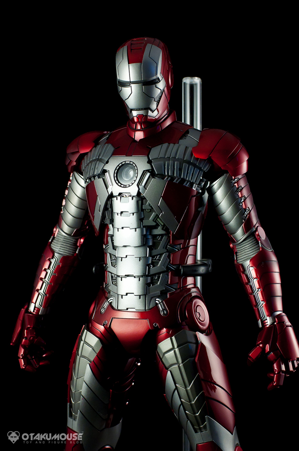 Review | Hot Toys: Ironman Mark V (56)