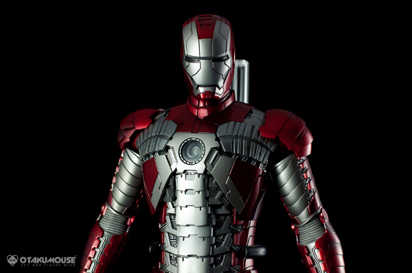 Review | Hot Toys: Ironman Mark V (53)