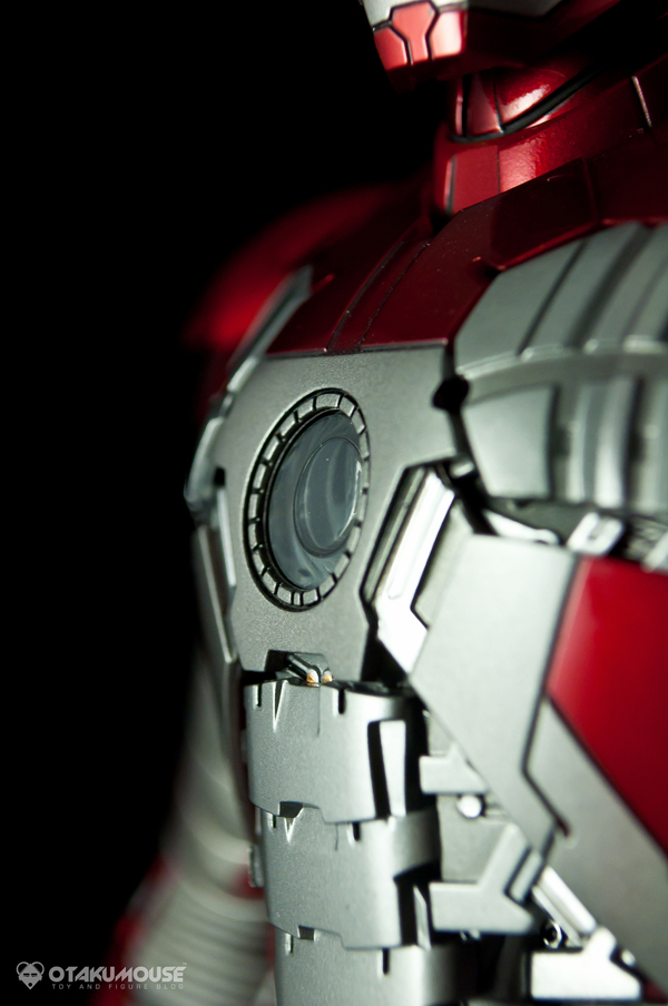Review | Hot Toys: Ironman Mark V (34)