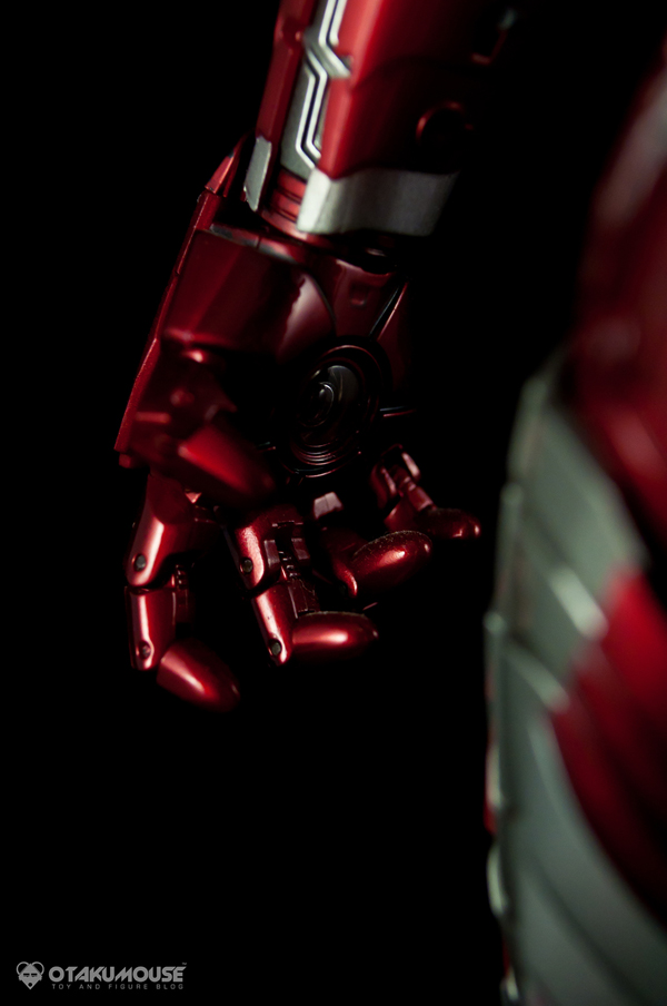 Review | Hot Toys: Ironman Mark V (24)