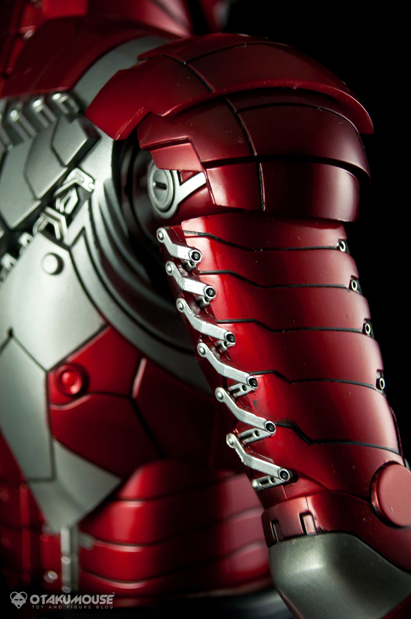 Review | Hot Toys: Ironman Mark V (12)