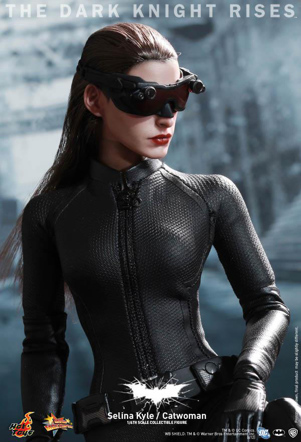 Preview | Hot Toys: Selina Kyle / Catwoman (9)