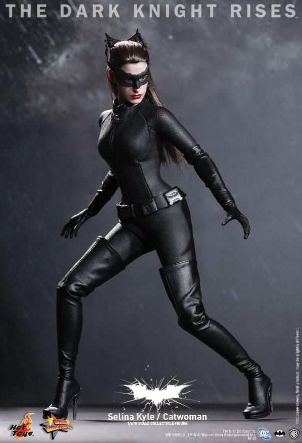 Preview | Hot Toys: Selina Kyle / Catwoman (2)