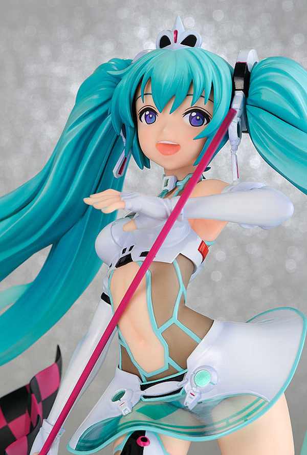 Preview | Freeing: Hatsune Miku (Racing 2012) (6)