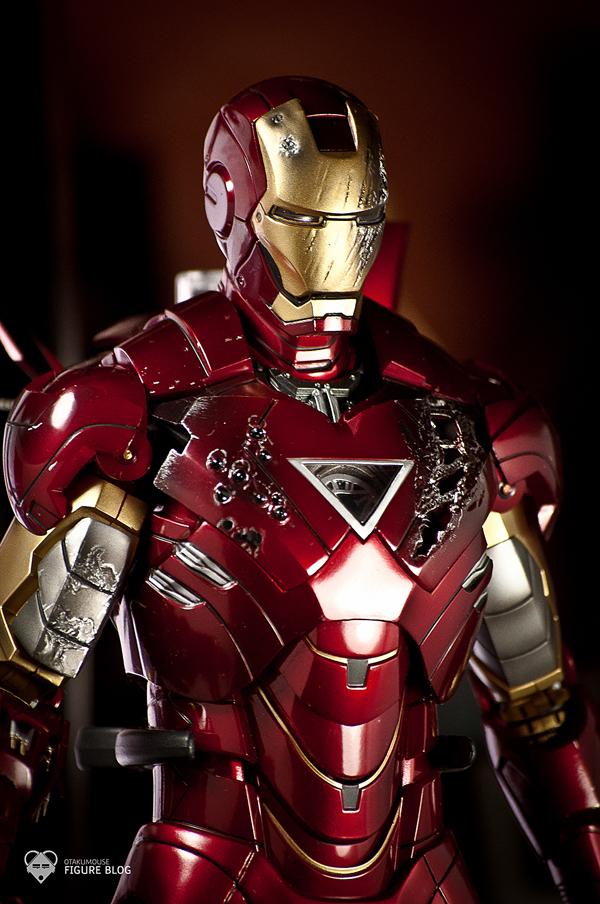 Hot Toys: Ironman Mark VI (9)