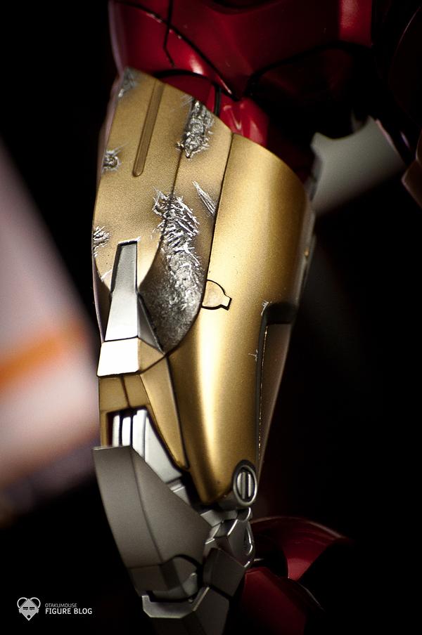 Hot Toys: Ironman Mark VI (12)