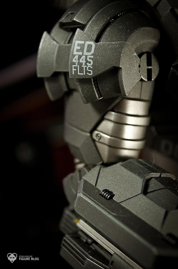 Hot Toys: Warmachine (25)