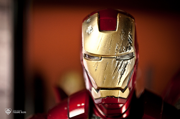 Hot Toys: Ironman Mark VI (17)