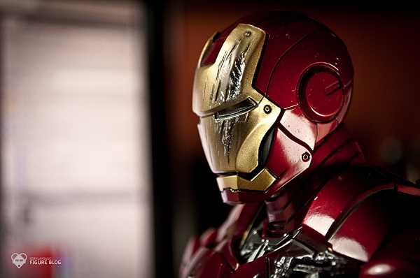 Hot Toys: Ironman Mark VI (20)