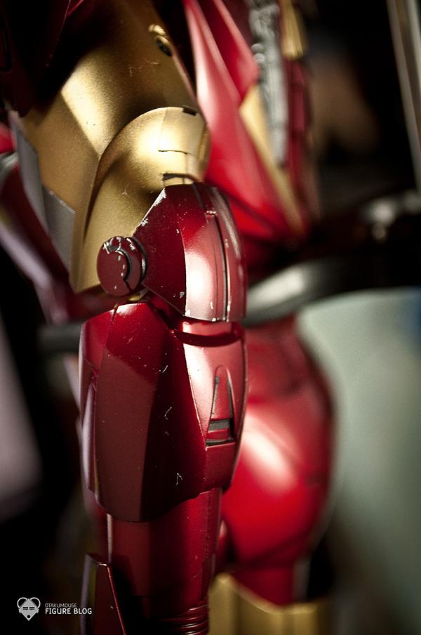 Hot Toys: Ironman Mark VI (23)