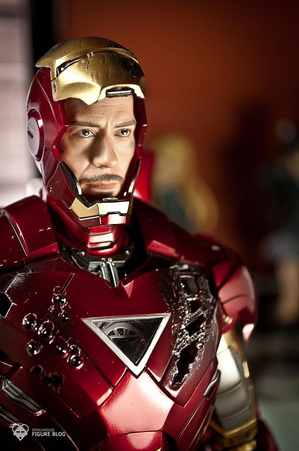 Hot Toys: Ironman Mark VI (33)