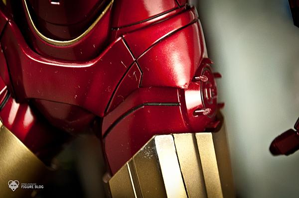 Hot Toys: Ironman Mark VI (36)