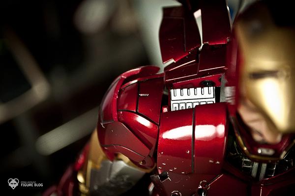 Hot Toys: Ironman Mark VI (43)