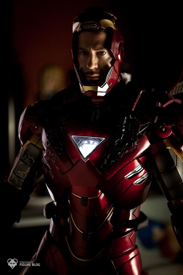 Hot Toys: Ironman Mark VI (45)