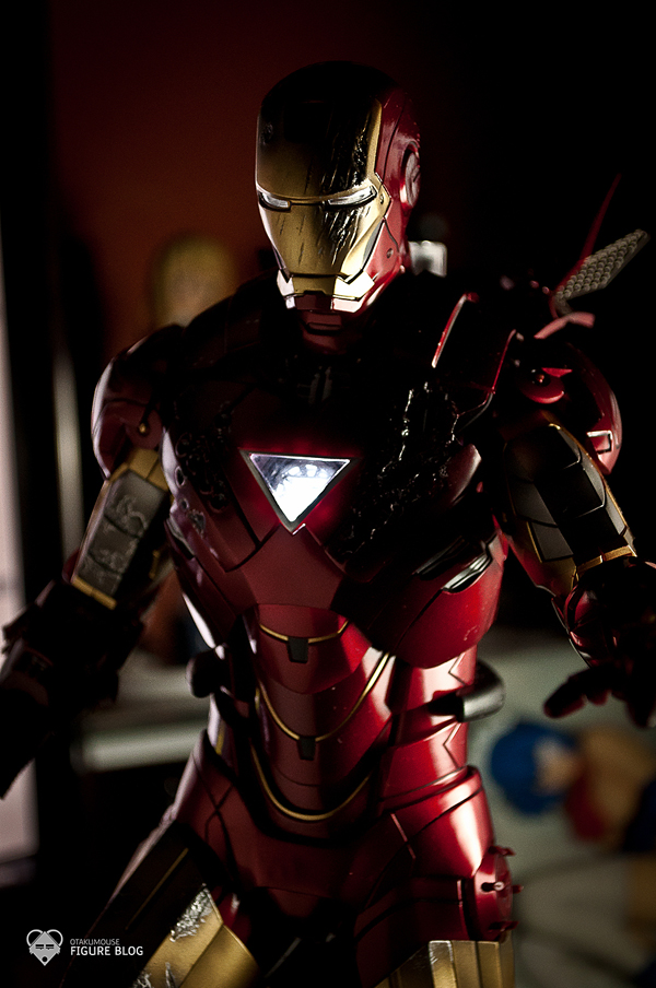 Hot Toys: Ironman Mark VI (47)