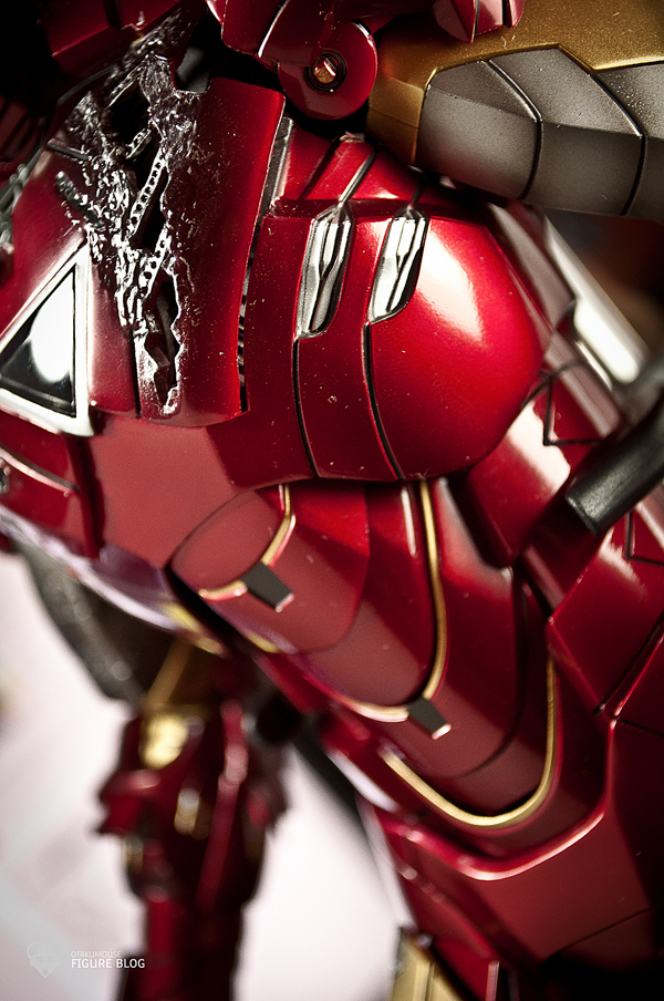 Hot Toys: Ironman Mark VI (53)