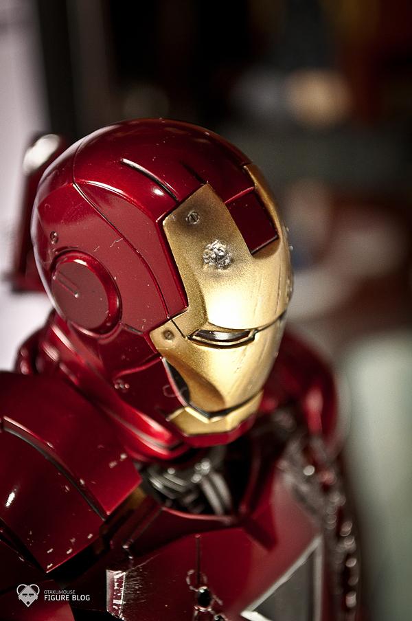 Hot Toys: Ironman Mark VI (58)