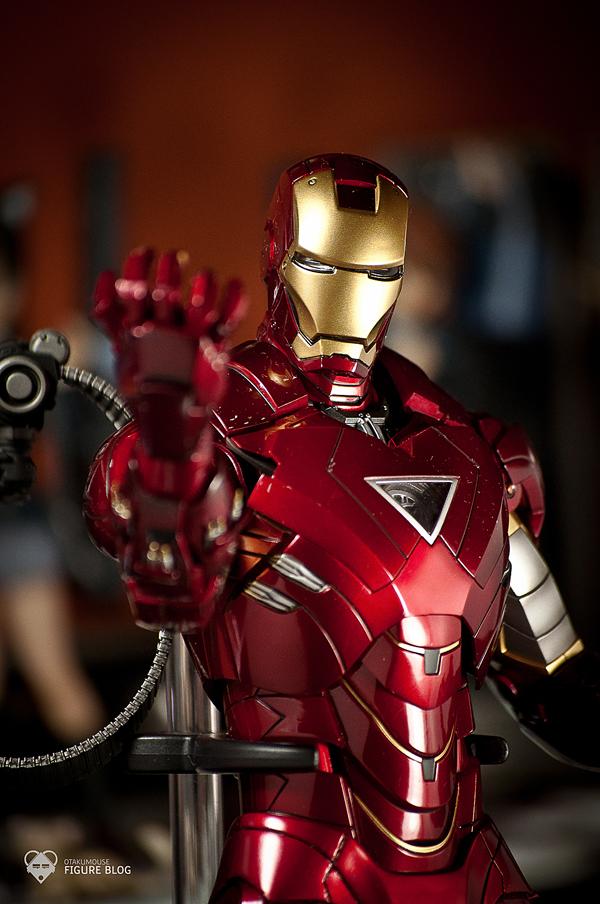 Hot Toys: Ironman Mark VI (64)