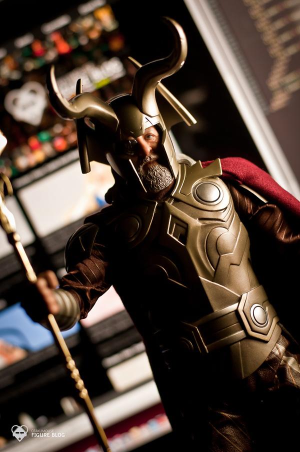 Hot Toys Odin (2)