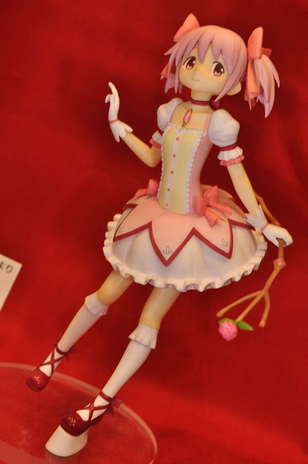 Report | Wonfes 2012 Winter: Garage Kits (14)
