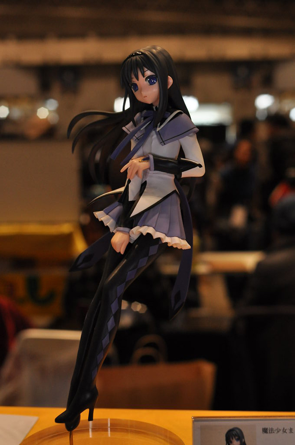 Report | Wonfes 2012 Winter: Garage Kits (9)