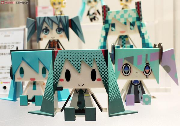 Wonder Festival 2012 | Summer: GSC Nendoroids (32)