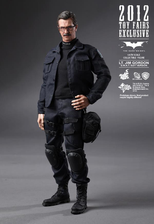 Preview | Hot Toys: Lt. Jim Gordon (SWAT Suit Ver.) (9)