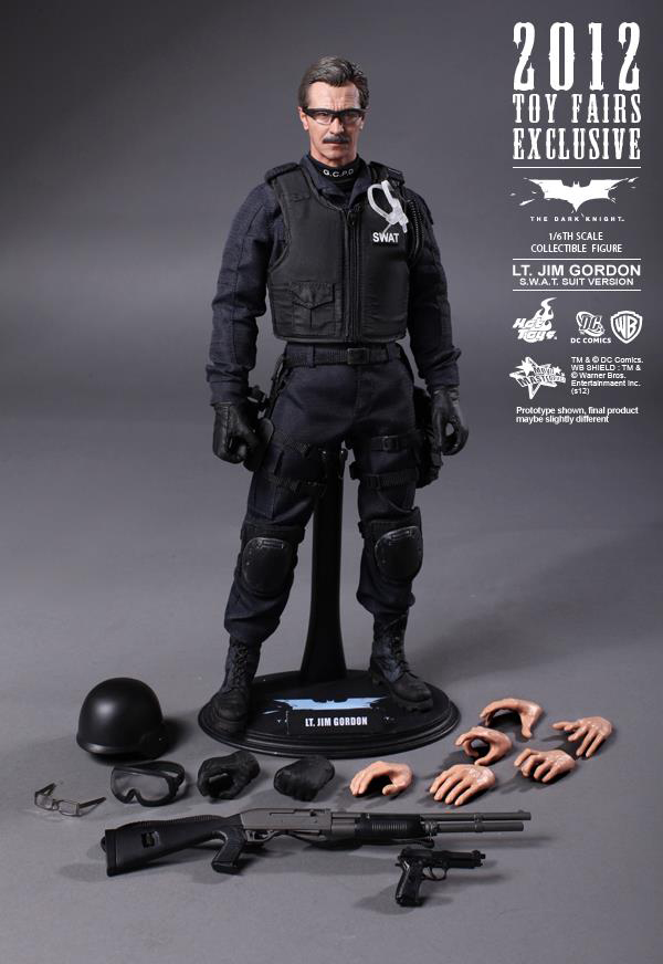 Preview | Hot Toys: Lt. Jim Gordon (SWAT Suit Ver.) (8)