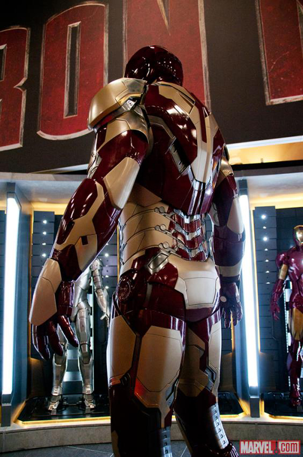 The Extremis Armor (3)