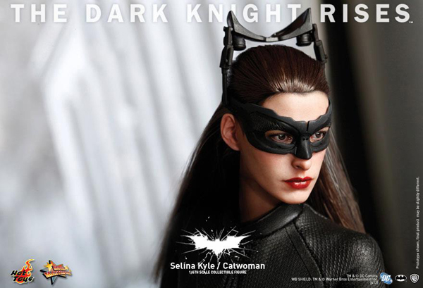 Preview | Hot Toys: Selina Kyle / Catwoman (18)