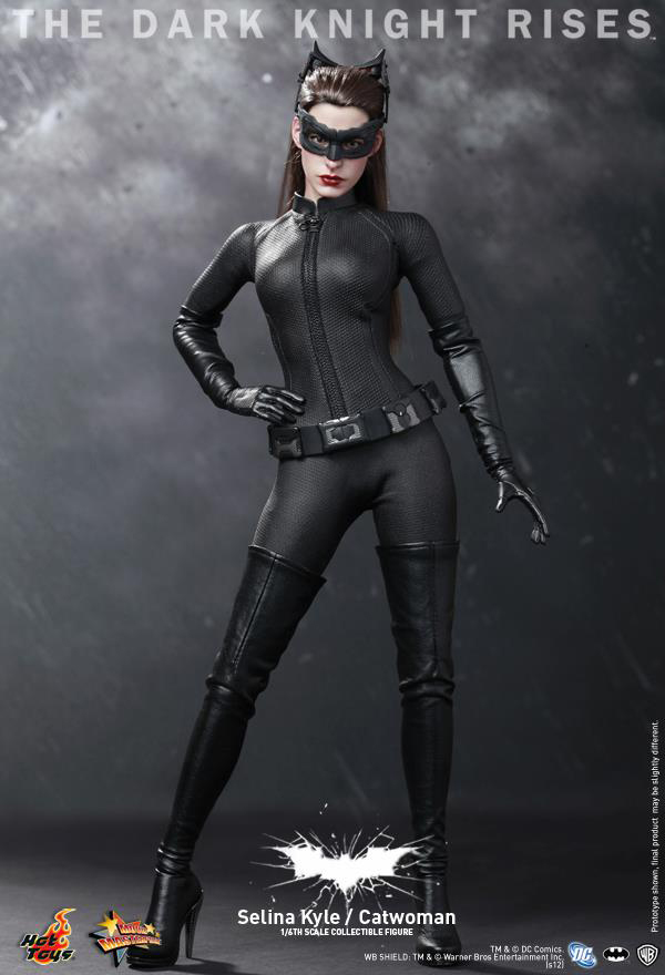 Preview | Hot Toys: Selina Kyle / Catwoman (16)