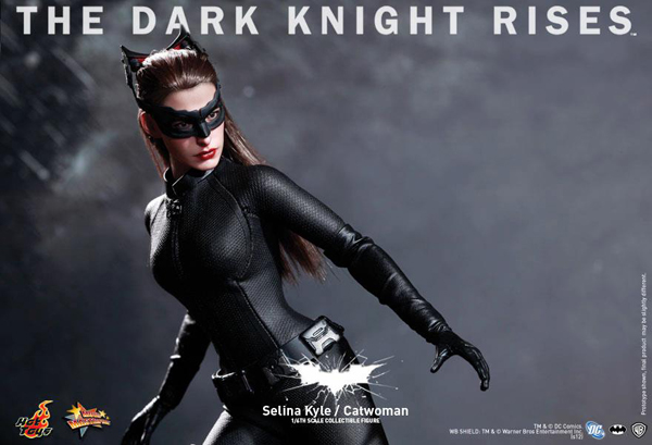 Preview | Hot Toys: Selina Kyle / Catwoman (7)