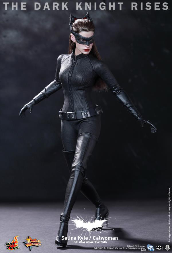 Preview | Hot Toys: Selina Kyle / Catwoman (6)