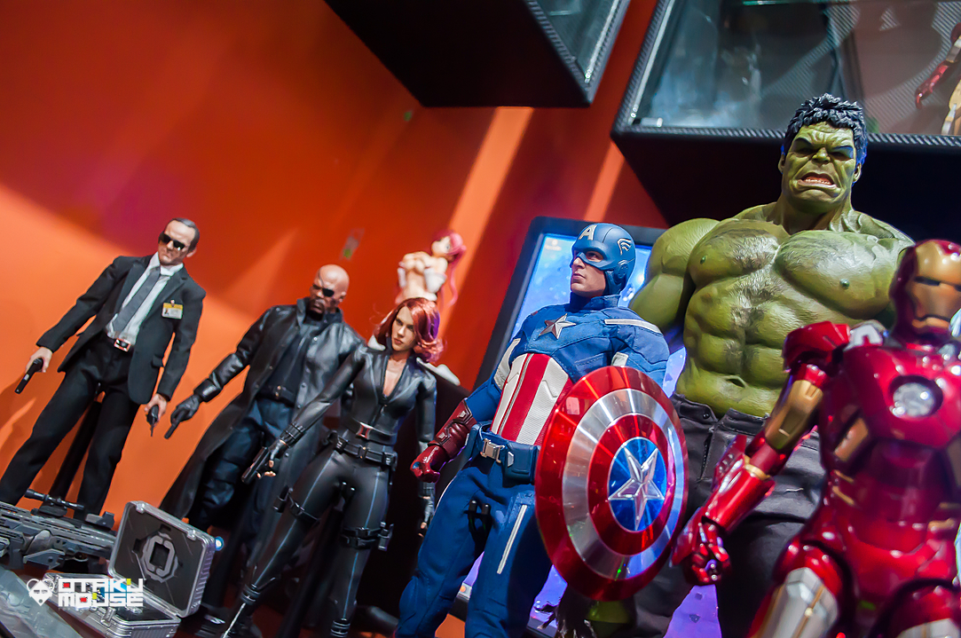 Hot Toys Avengers Line Complete (8)