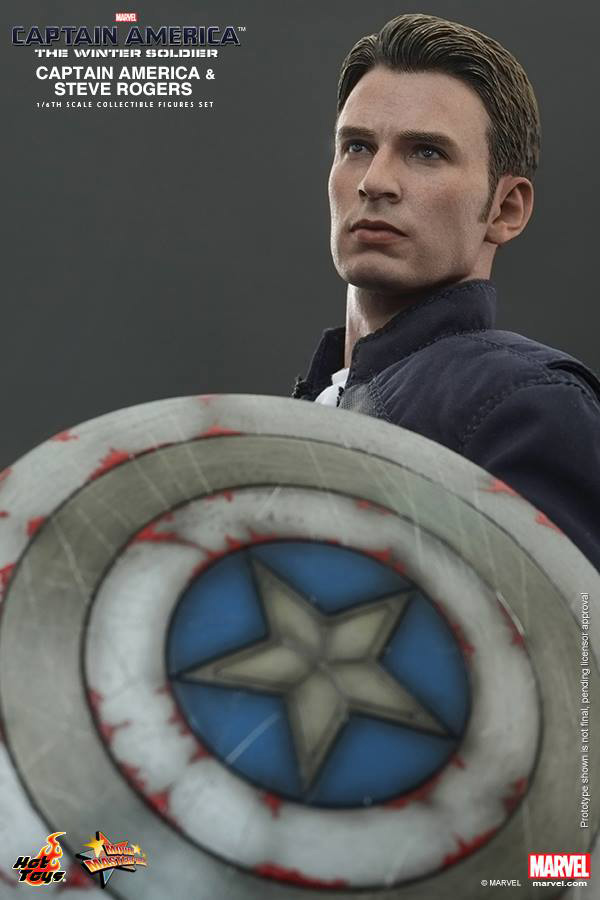 Preview | Hot Toys: Captain America & Steve Rogers (11)