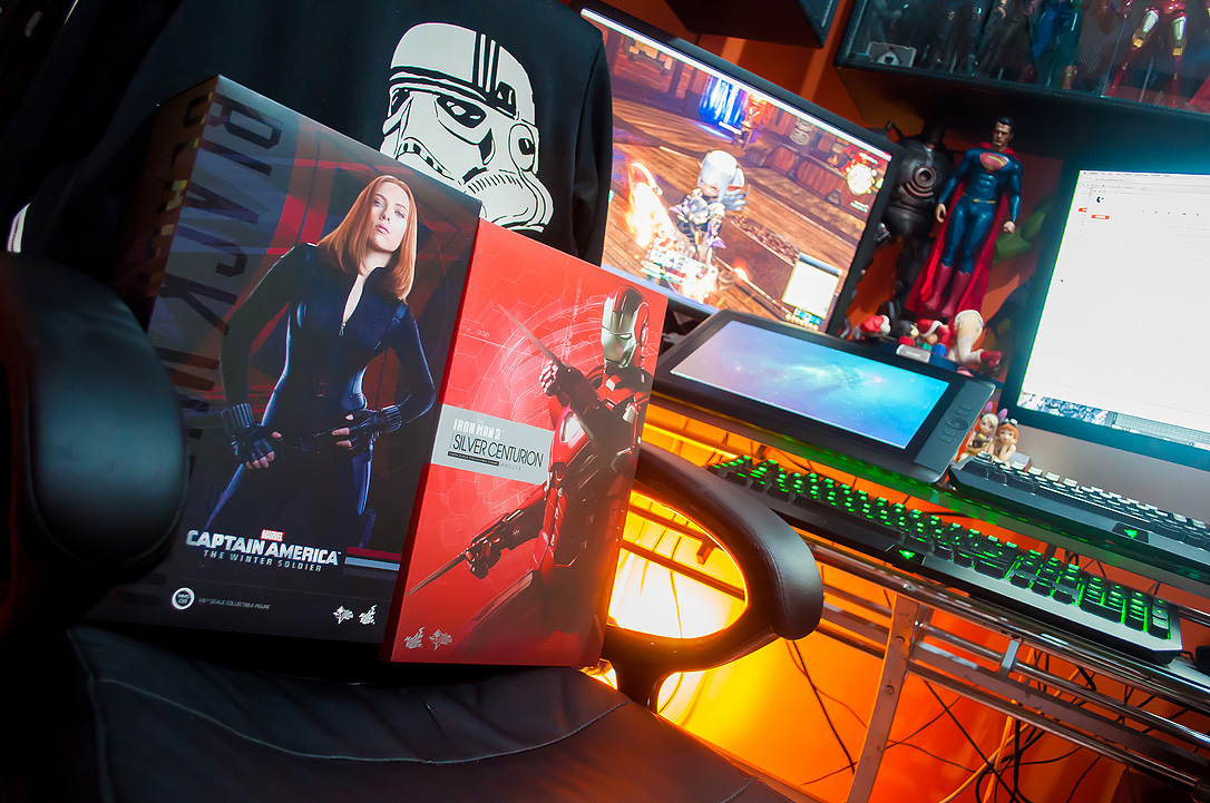 January 2015 Loot Report - Hot Toys Black Widow (Winter Soldier) and Mark XXXIII Silver Centurion (5)