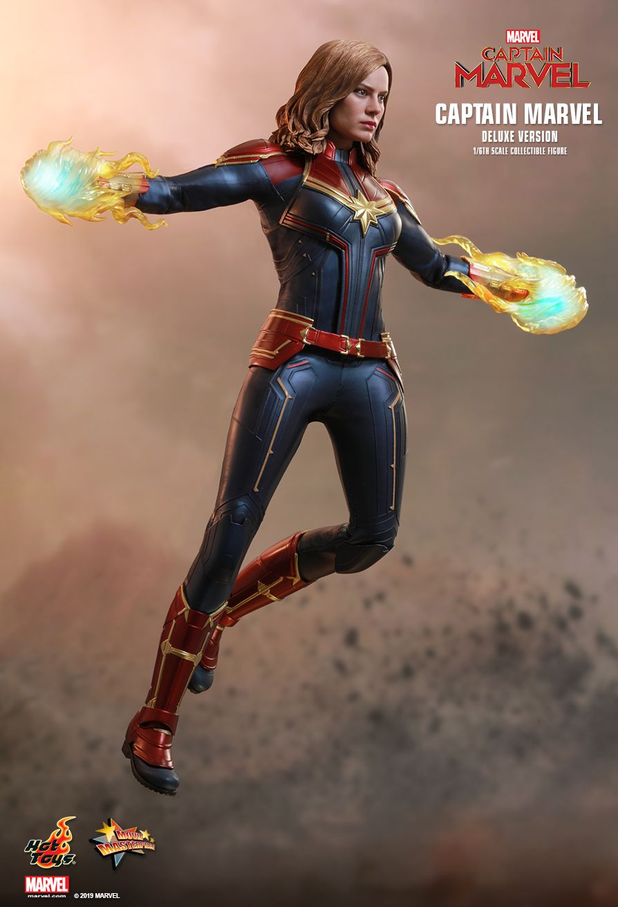 Hot Toys 1/6 Captain Marvel 15