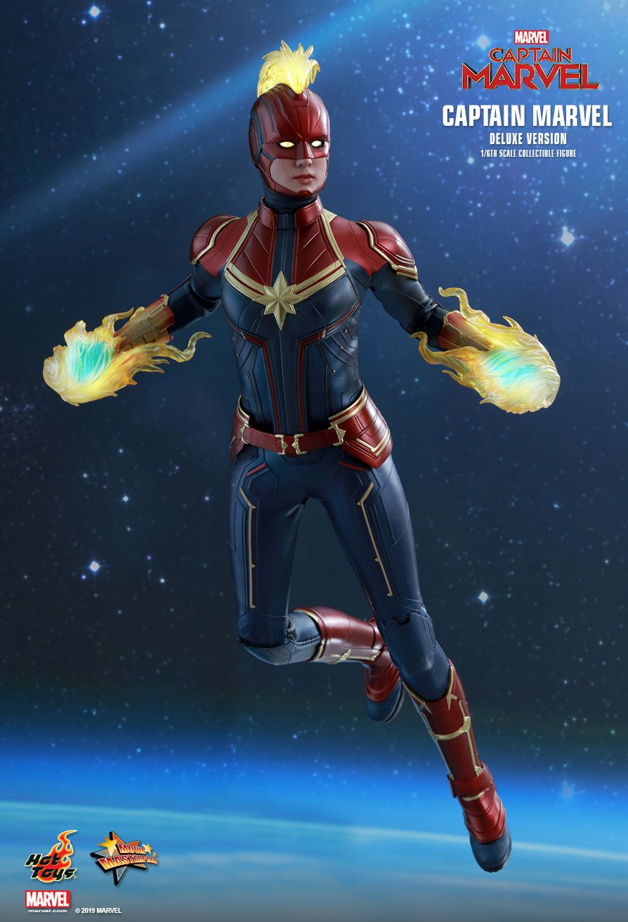 Hot Toys 1/6 Captain Marvel 11