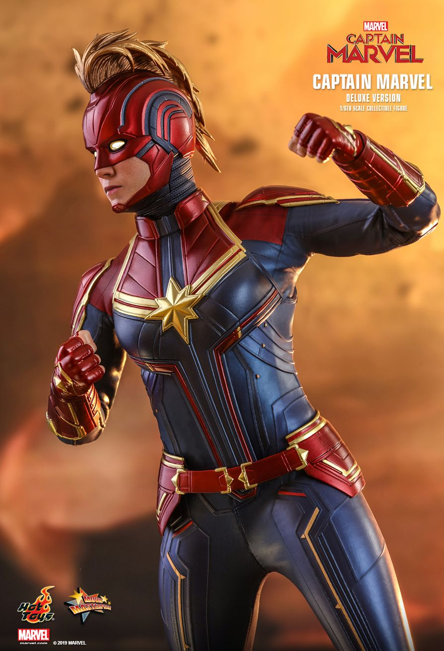 Hot Toys 1/6 Captain Marvel 9