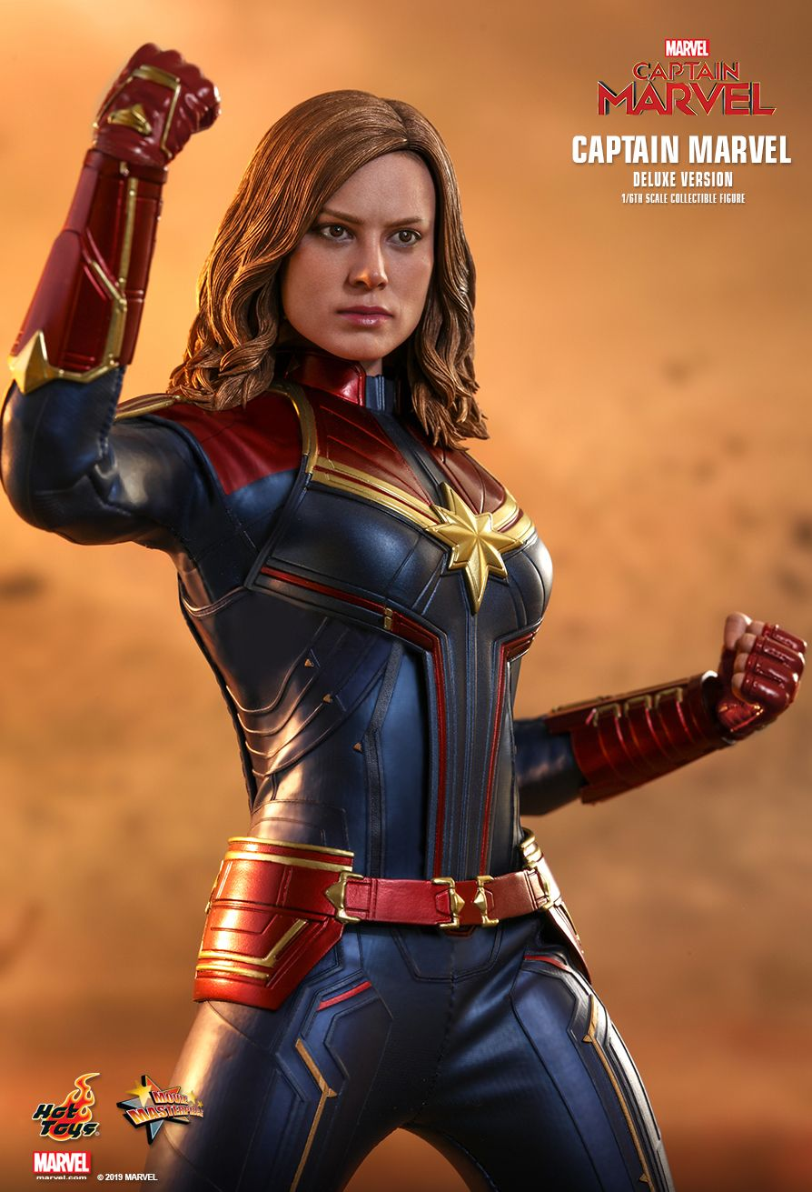 Hot Toys 1/6 Captain Marvel 7