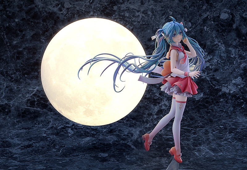 Hatsune Miku First Dream Ver. Figure 5